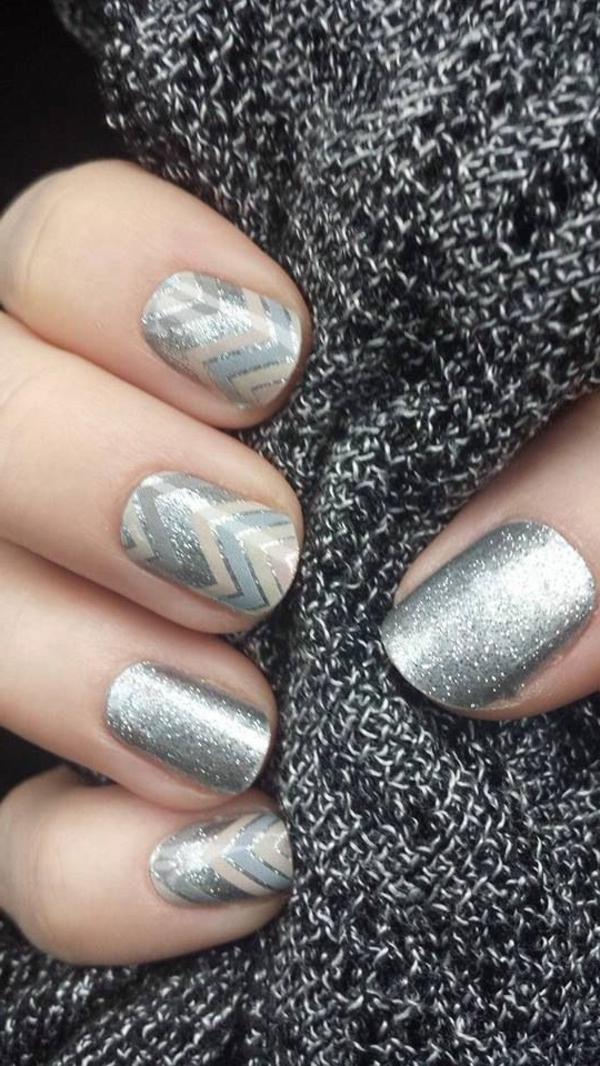 silberne-Nägel-Design-Fingernägel