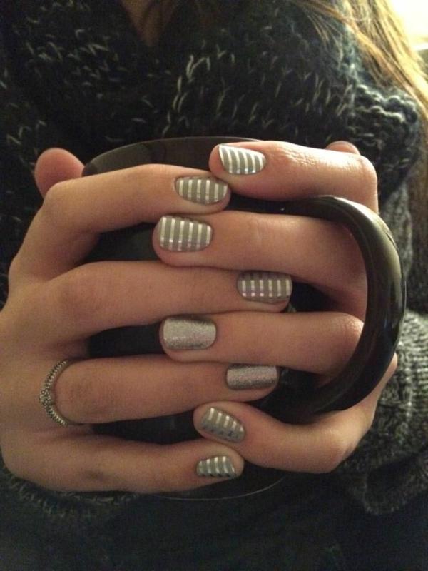 silberne-Nägel-Fingernägel-Design-Ideen