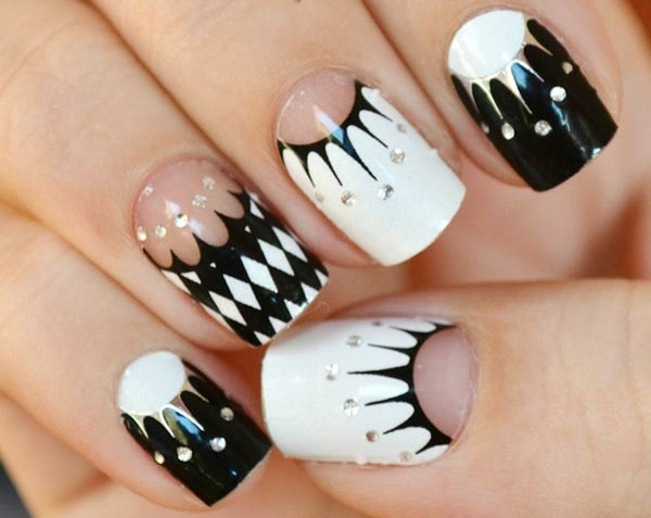 silver-black-and-white-geometry-nails-resized