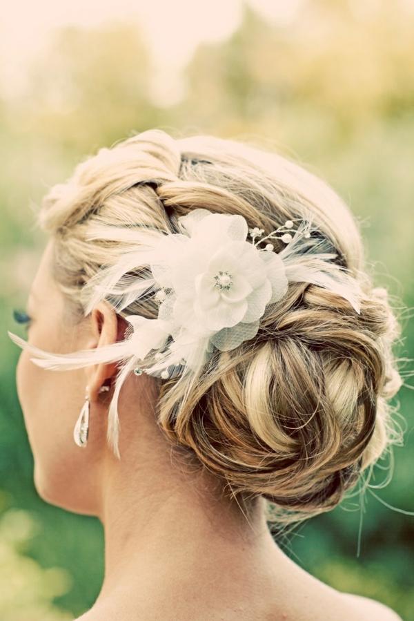 super-Ideen-für-moderne- Hochzeitsfrisuren-Blume
