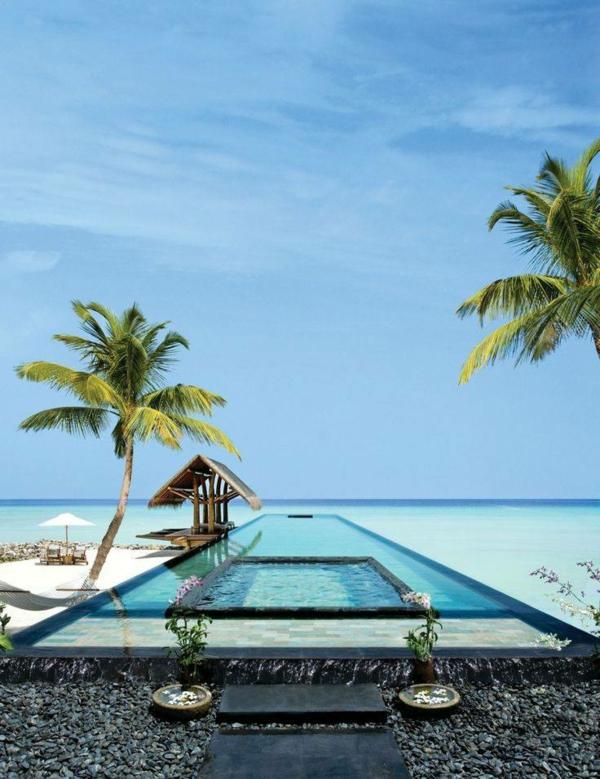 super-interessantes-design-vom-fertig schwimmbecken