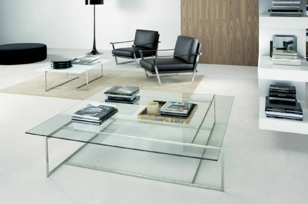 super-moderne-Beistelltische-aus-Glas-im-Wohnzimmer