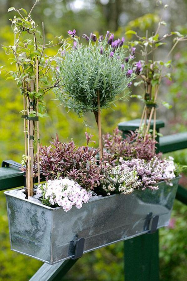 Blumenkasten Für Balkon - Wunderschöne Bilder! - Archzine.net Balkon Ideen Blumenkasten Gelander