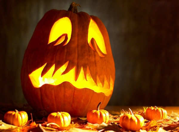 super-schöne--Halloween-Kürbis-Gesichter