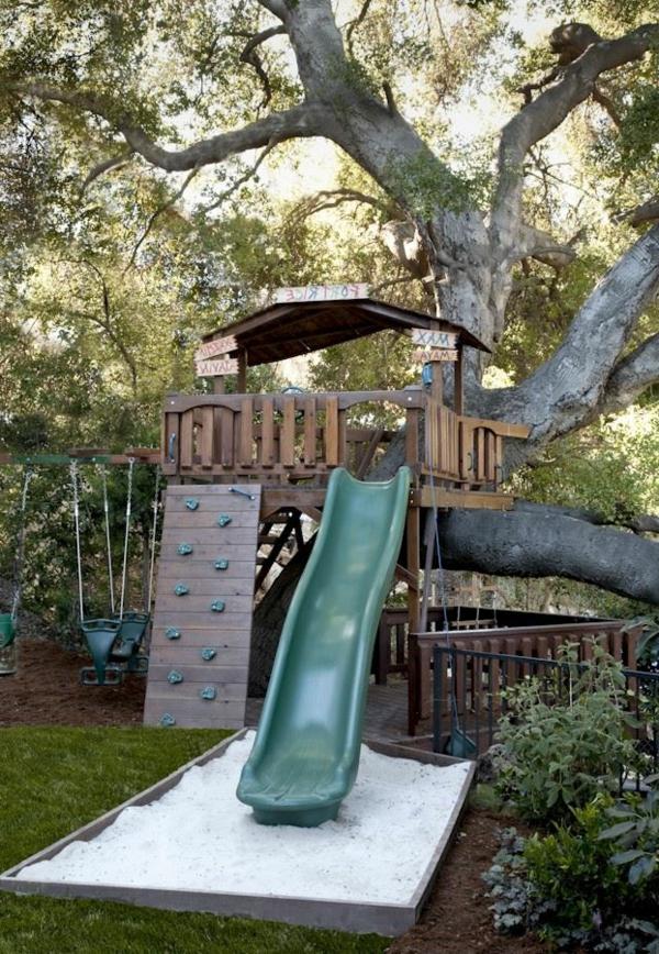tolle-Baumhäuser-für-Kinder-Rutsche