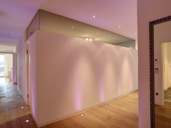 tolle-Bodenbeleuchtung-Led-im-Hause-Rosa
