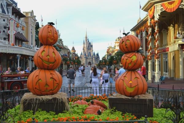 tolle--Halloween-Dekoration-selber-basteln-Straßendeko