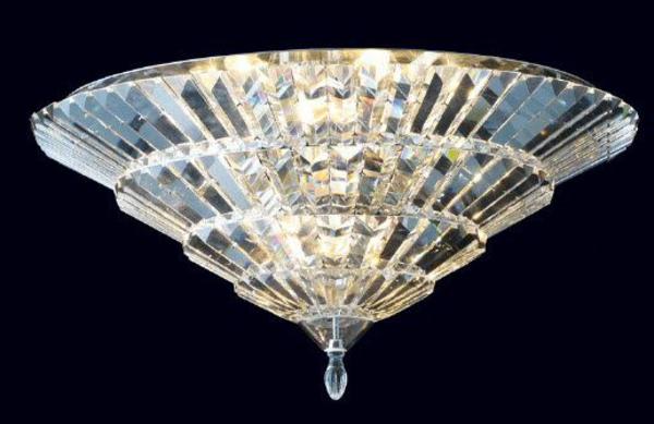 traditionell-wirkende-kristall-deckenleuchte
