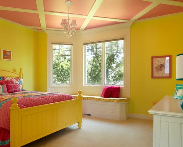 traditionelle-gelbe-farbgestaltung-im-schlafzimmer