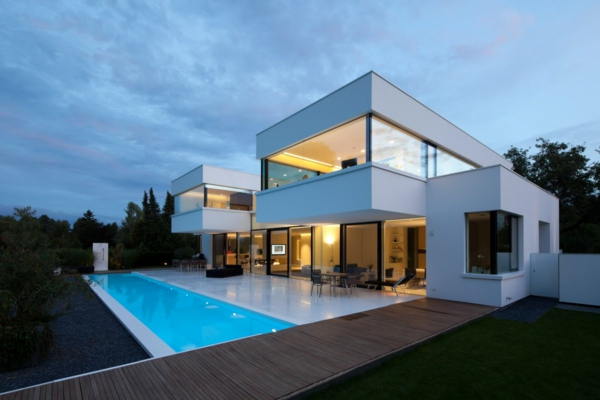 ultra-luxuriöses-Haus-mit-Pool-