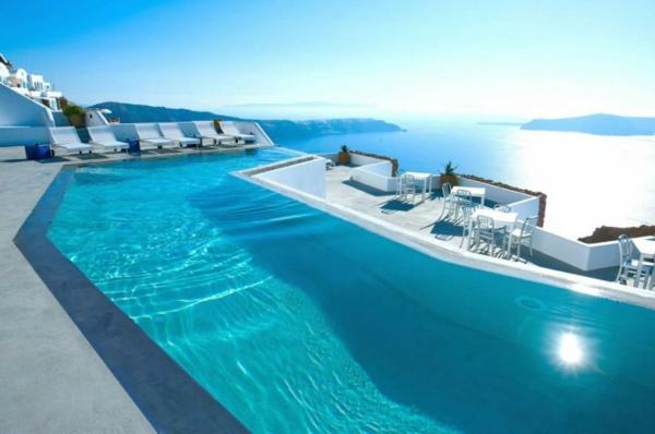 ultramodernes-modell-vom-fertig schwimmbecken