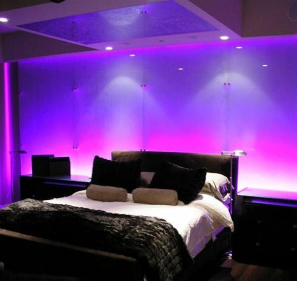 ultramodernes-schlafzimmer-mit-interessante-beleuchtung