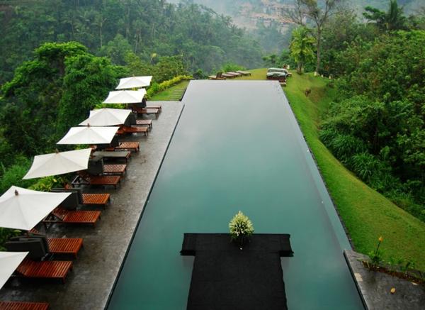 unglaubliches-design-vom-fertig schwimmbecken