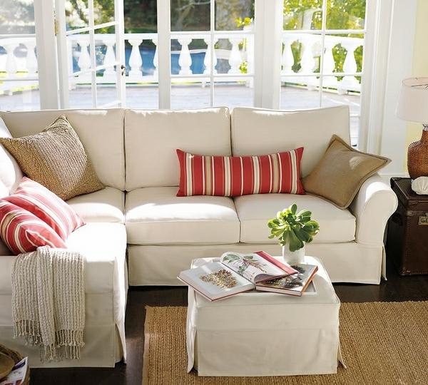 weiße-elegante-sofabezüge-für-ecksofa- mit-dekokissen