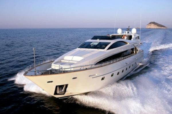 weiße-luxus yachten