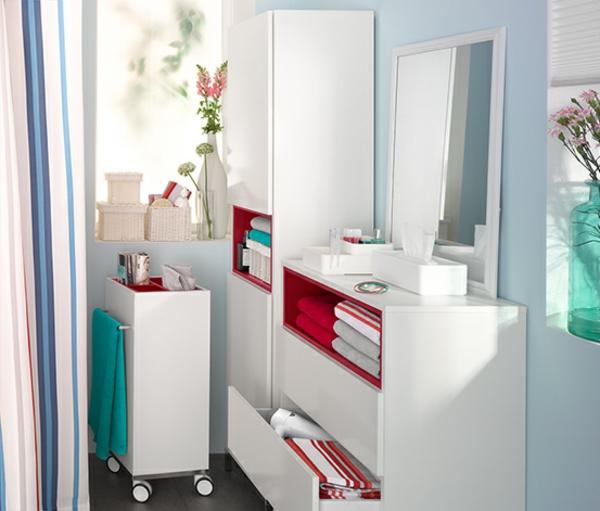 weißer-Badezimmer-Hochschrank-in-Weiß