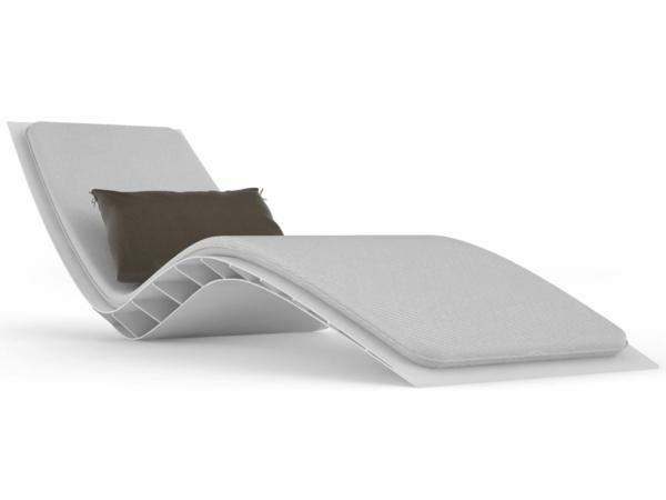 weißer-moderner-liegestuhl-lounge-möbel-outdoor