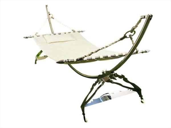 weißes-modell-vom-liegestuhl-lounge-möbel-outdoor
