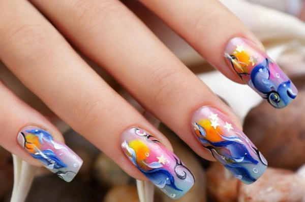 wunderbares-Fingernägel-Design-viele-Farben