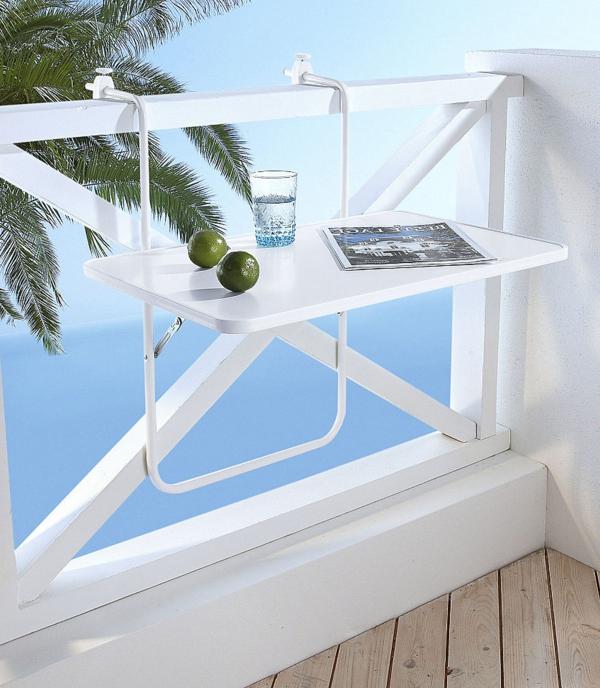 wunderschöne-Klapptisch-für-den-Balkon-in-Weiß