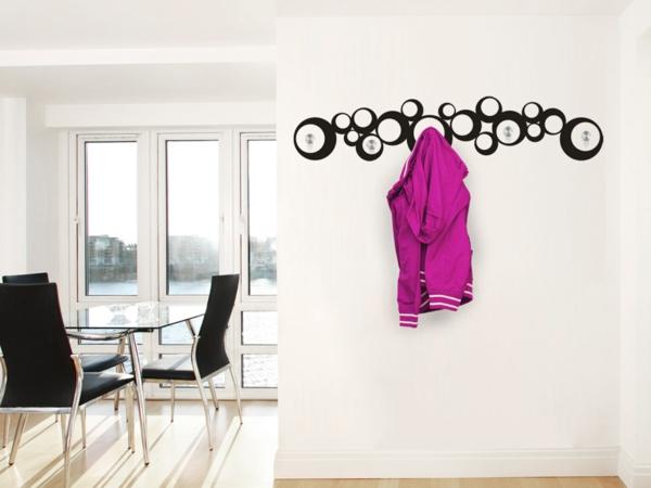 Wandtattoo garderobe eine originelle idee for Garderobe jacke