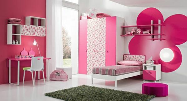 wunderschönes-Schlafzimmer-in-rosa-Farbe-