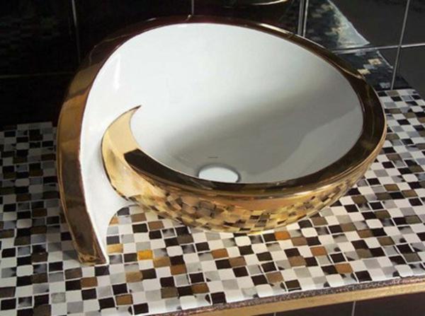 wunderschönes-waschbecken-mit-runder-form