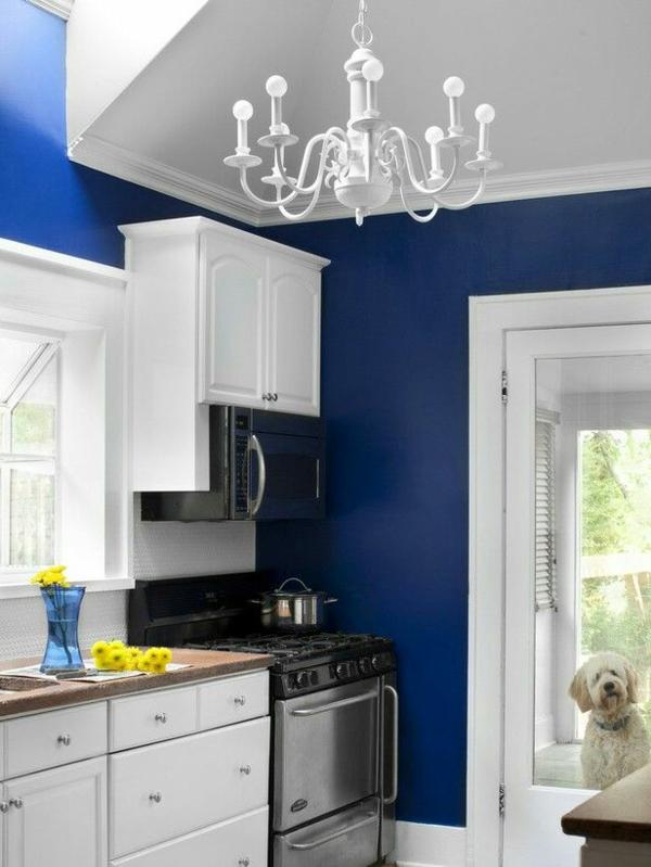 Großzügig Weiße Küche Mit Blauen Wänden Fotos - Küchenschrank Ideen ...