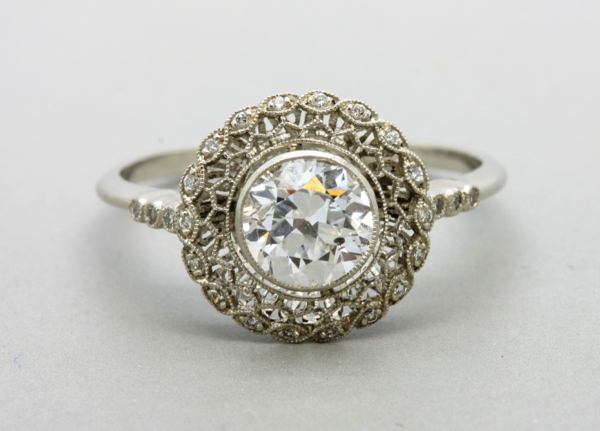 Antik-wunderschöner-Verlobungsring_Schöner Velobungsring