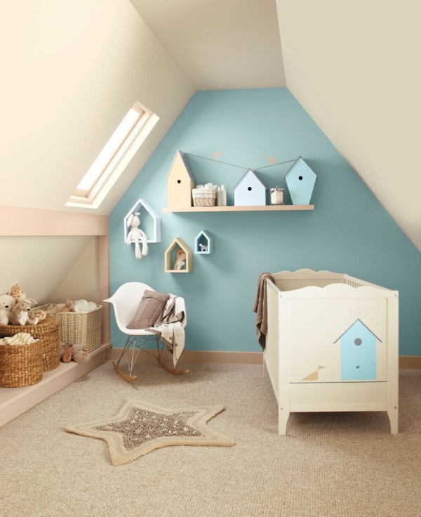 Babyzimmer-Interior—Design-Idee-mit-schönen-Eierschalenfarben