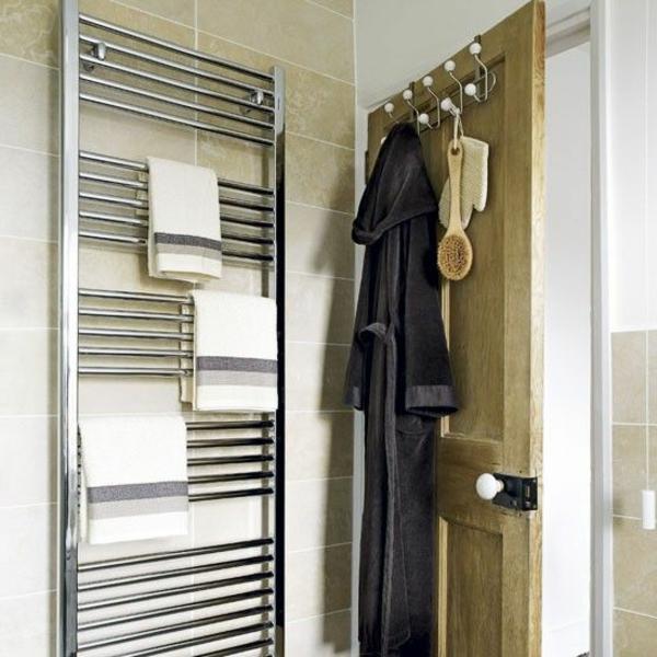 Badezimmer-Gestaltung--Heizung-Handtuchhalter