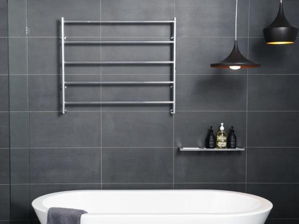 Badezimmer--Gestaltung-Heizung-Handtuchhalter