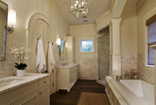 Badezimmer--Interior—Design-Idee-mit-schönen-Eierschalenfarben