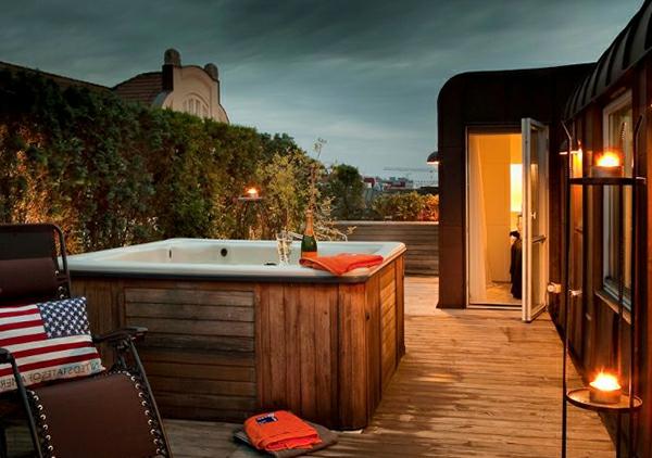 Dachterrasse-Terrasse-mit-modernen-Möbeln-gestalten