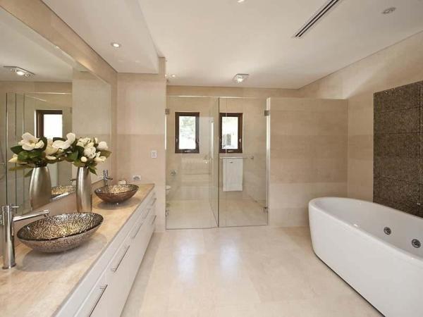 ... Das Moderne Badezimmer Wellness Design Modernes Bad Mit For Wellness  Badezimmer Gestaltung ...