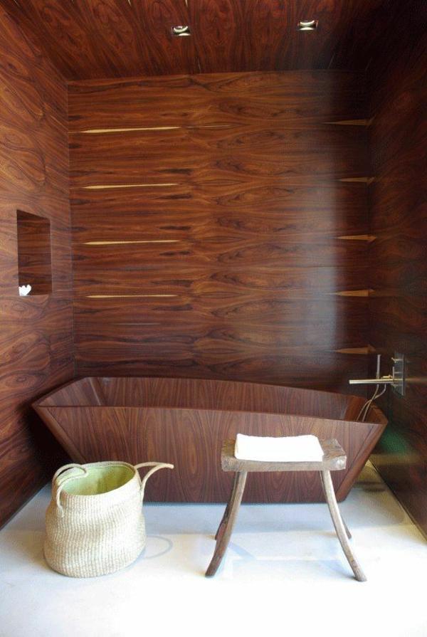 Design-für-ein- modernes-Badezimmer-Ideen-Holzbadewanne