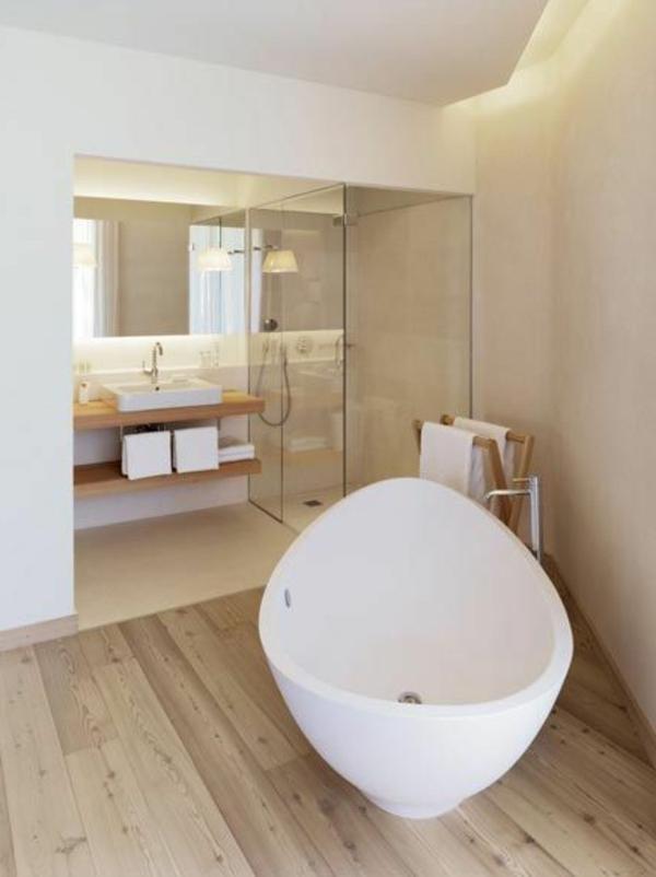 Design-für-ein- modernes-Badezimmer-Ideen-weiße-Badewanne