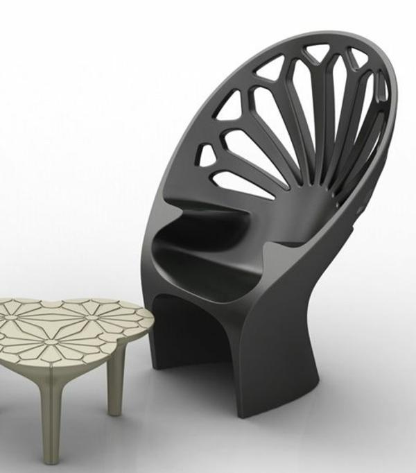 Designstuhl-in-Schwarz-mit-erstaunlichem-Design-