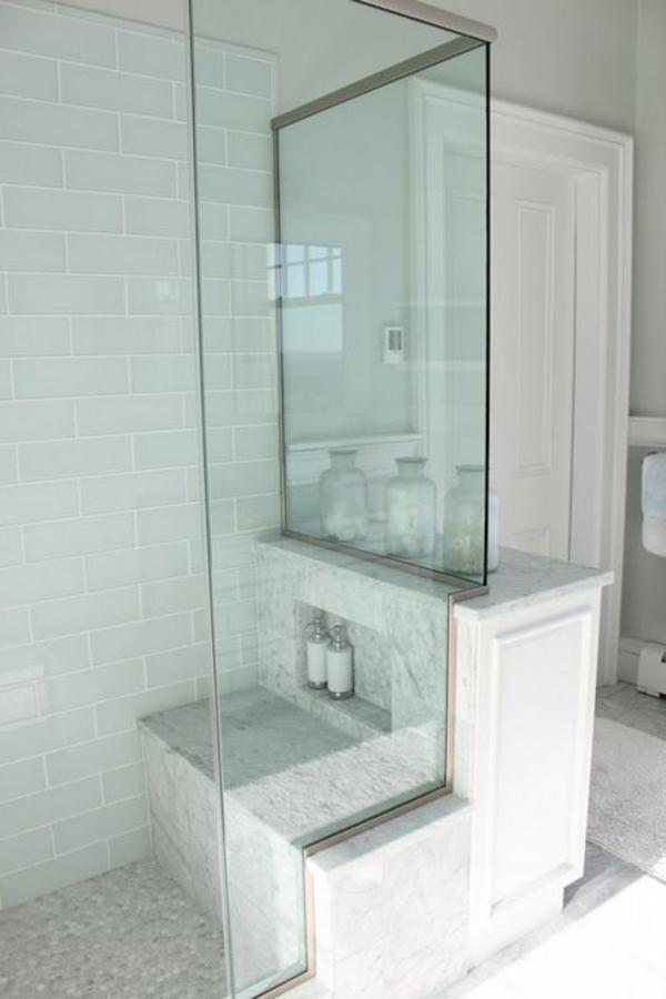 Duschkabine-aus-Glas-aktuelle-Beispiele-für-ein-modernes-Badezimmer