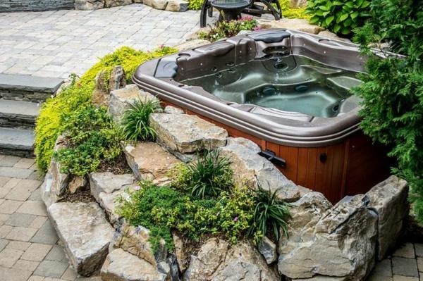 -Gestaltungsideen-für-den-perfekten-Garten-mit-Jacuzzi--Whirlpool