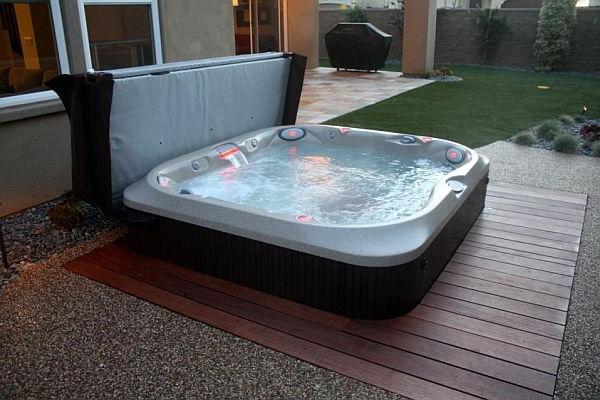 Whirlpool im Garten - 100 fantastische Modelle!