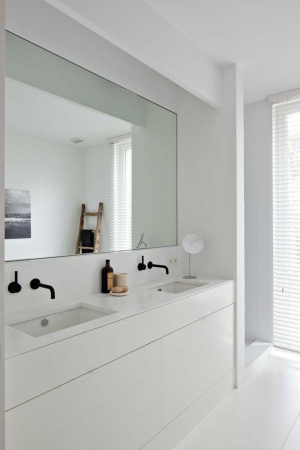 -Ideen-für-eine-moderne-Badezimmereinrichtung-in-Weiß-Unterschrank