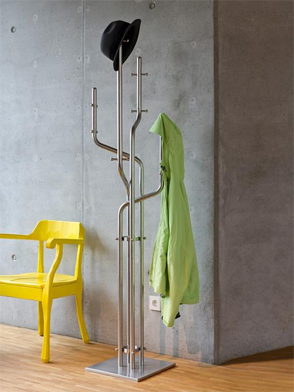 Kleiderständer-aus-Edelstahl-mit-coolem-Design