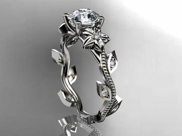Luxus-Design--wunderschöner-Verlobungsring