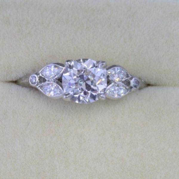 -Luxus-Design-wunderschöner-Verlobungsring