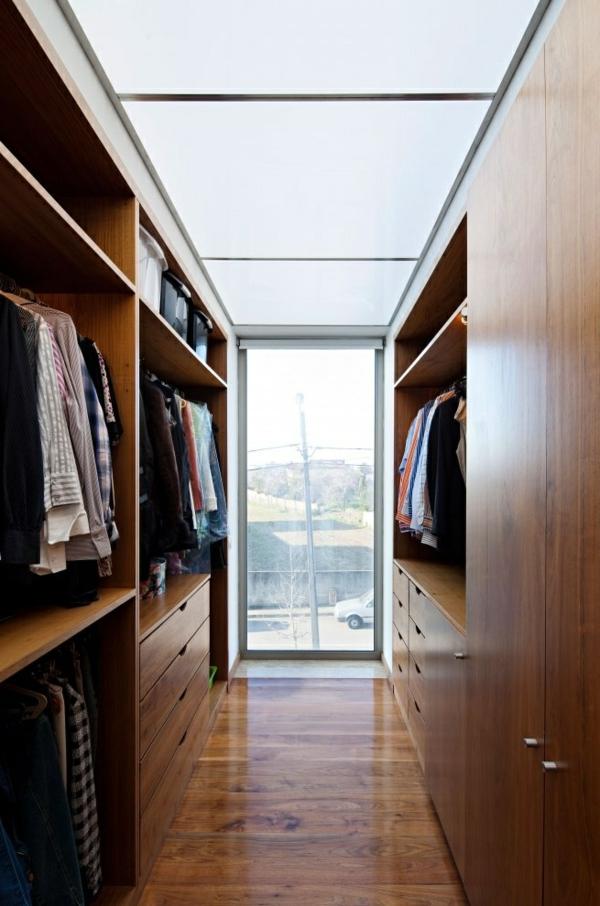 Luxus- begehbare-Kleiderschränke-aus-Holz