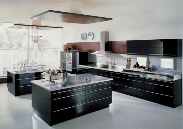 Modern-Kitchen-with-Black-Island
