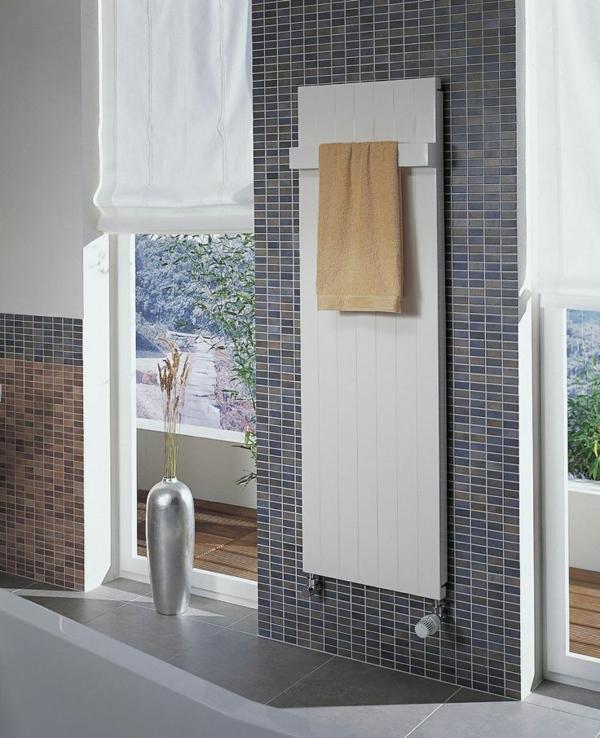Radiator-mit-modernem-Design-im-Badezimmer
