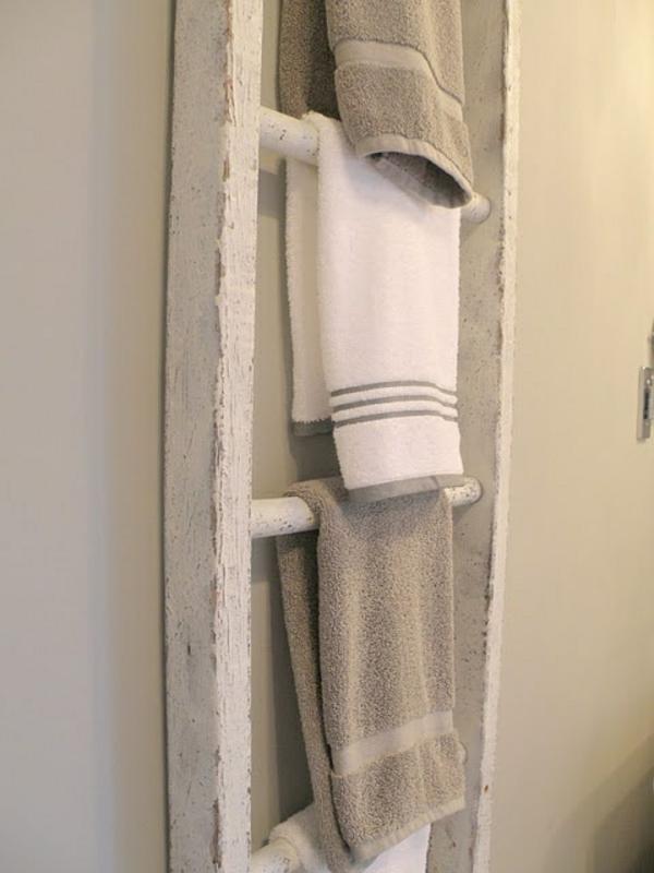 Vintage-Design-alter-Holzleiter