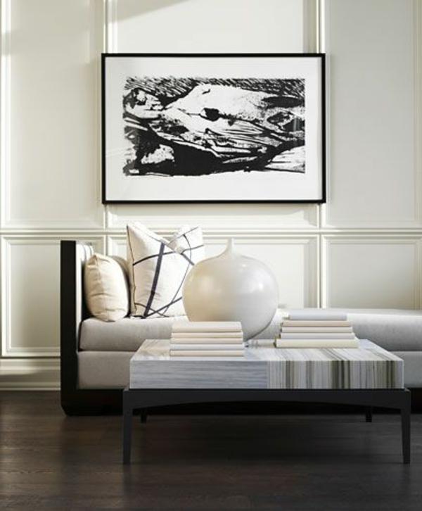 Wandfarbe-Eierschalenfarben-schwarz-weißes-Bild